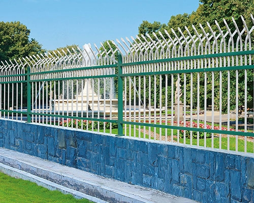 锌钢外墙护栏安装