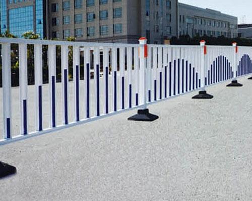 安义锌钢道路护栏厂家
